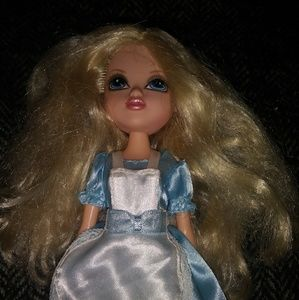 Other - Rare alice in woderland girls moxie fashion doll