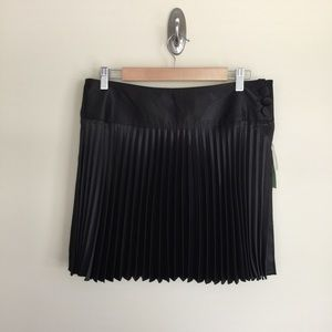 Johnny Martin Dresses & Skirts - NWT Johnny Martin black satin pleated skirt sz 5