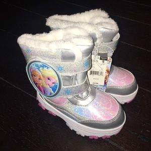 Disney Other - Boots sz 9 Med width. NWT