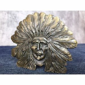 Vintage Accessories - NATIVE AMERICAN CHEIF IN HEADDRESS VINTAGE BUCKLE!
