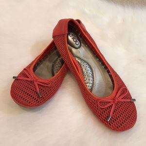me too Shoes - Brand new Me Too flexible ballet flats size 7.5