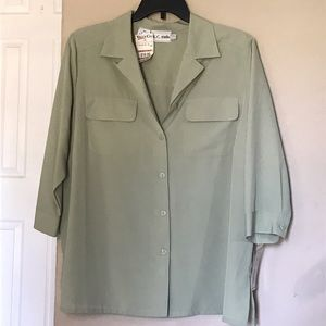 K C Studio Tops - Green button up blouse