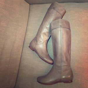 Chloe Shoes - NEW Flat leather CHLOE Heloise Grey tall boot 37.5