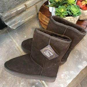 Lamo Shoes - Off season SALE! 👢 Sheepskin and leather boots 👢