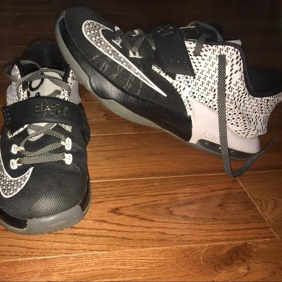 Nike Shoes - Nike Kds BHM