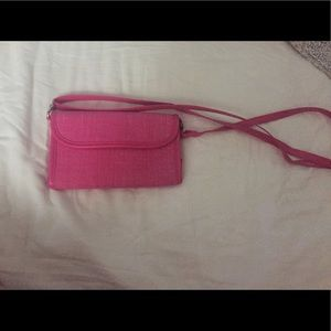thirty one Handbags - Thirty-One NEW wallet/crossbody with detach strap