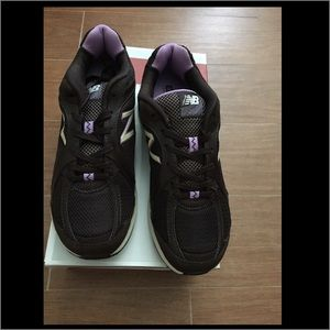 New Balance Shoes - NIB New Balance tennis shoes in Chocolate brown