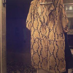 Dresses & Skirts - Beautiful snake print dress - seize medium