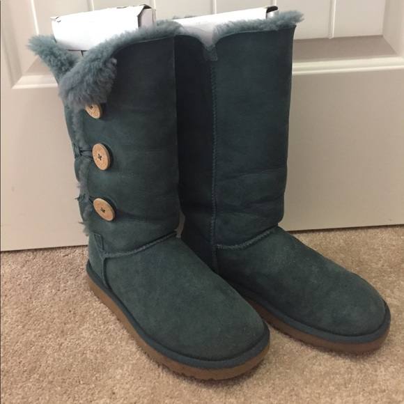 f61a67f1eb0 Teal (Blue/Green) Real Bailey Button Uggs, Size 8