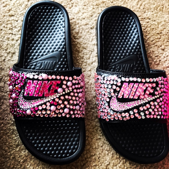 official photos 3ab42 4b7f5 Rhinestone bling Nike slides