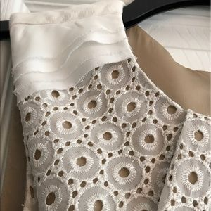 Vince Camuto Dresses & Skirts - VINCE CAMUTO BEIGE EYELET LACE DRESS