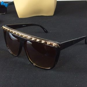Accessories - New Brown and Gold Spike Sunglasses 😎