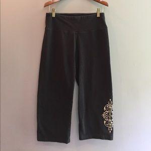 Marika Pants - Black Capri yoga pants sz Med