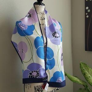 Oscar de la Renta Accessories - NWT Oscar de Renta silk scarf