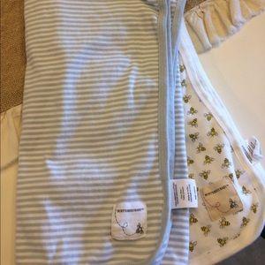 Burt's Bees Baby Other - Burt's Bees Baby Blankets - Set