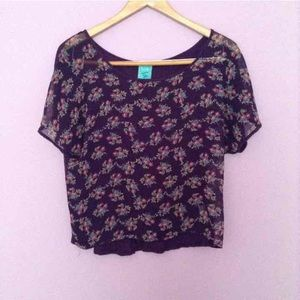 Tops - NWOT Flower Blouse