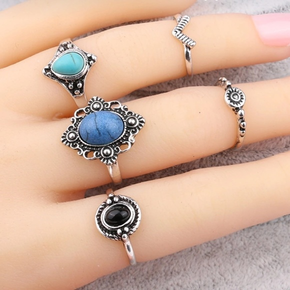 Jewelry - Antique Midi Ring Set w-surface width 15, 4 10mm