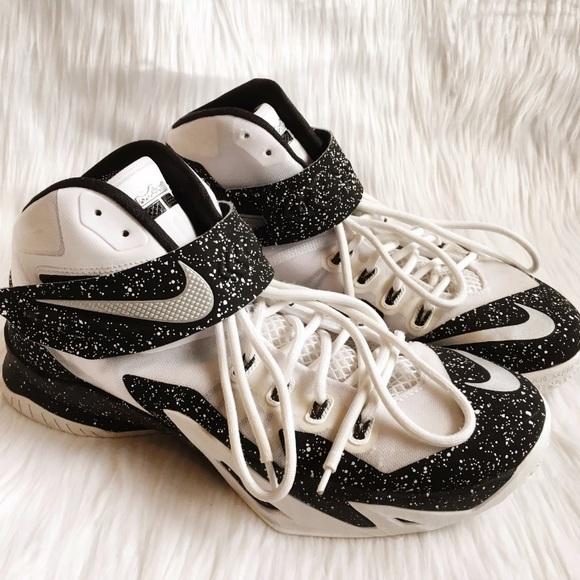 hot sale online 1a1ec bb331 Nike Lebron Zoom Soldier 8 Paint Splatter Sneakers