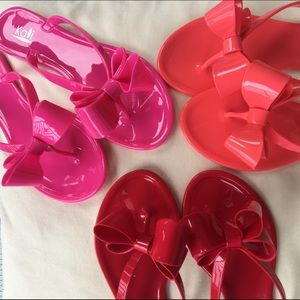 Jelly flip flops with bow