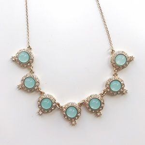 Gorgeous gold and green elegant necklace