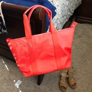 Hottest beach tote!  Tory Burch - Poppy Red!