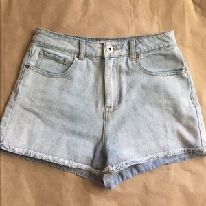 PacSun Pants - Pac Sun Mom Shorts!