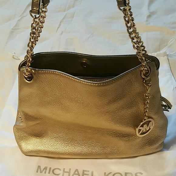 24ff94c2edac Michael Kors Bags | Jet Set Chain Strap Large Gold Bag | Poshmark