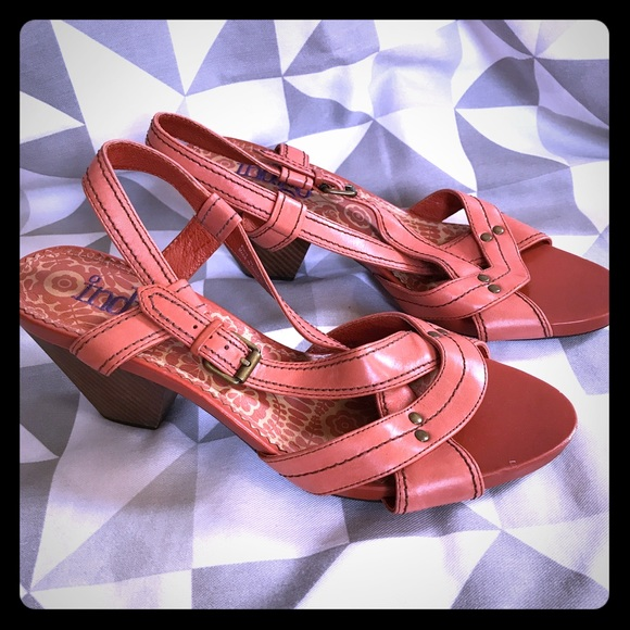 55ffaecd9f0 Clarks Shoes - NWOT Indigo Clarks coral strappy leather sandals