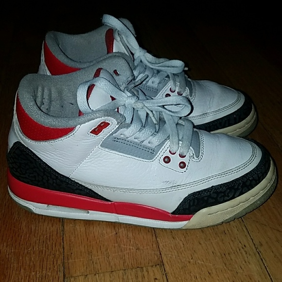 wholesale dealer c2205 324a6 Fire Red Cement 3s NWT