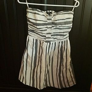 Dresses & Skirts - GAP strapless cotton striped dress