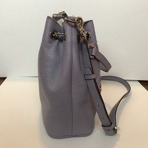 959305384bde14 Michael Kors Bags - 🎉HP🎉MICHAEL KORS Lilac Frankie Md Drawstring Bag