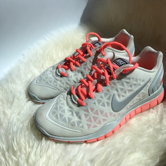 cheap for discount 4d620 1f01b Nike Free TR Fit 2 women s running shoes. M 593c7c982de512ef3801a1b4