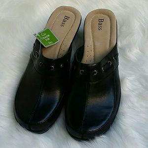 Bass clogs   size 9   NWT