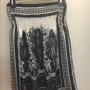 Myths Tops - Black and white Halter tunic