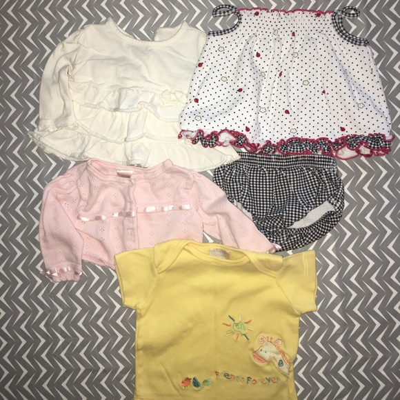 Bundle of baby clothes size 3 to 6 months 3 6MB from