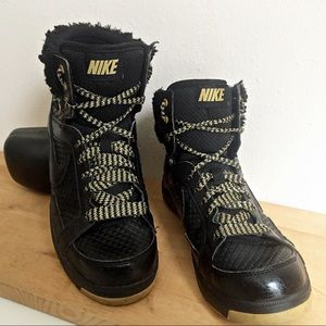 Nike Shoes - Nike Air II Troupe Sneakers