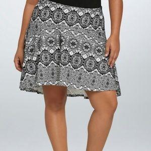Torrid black and white lace flare skater skirt