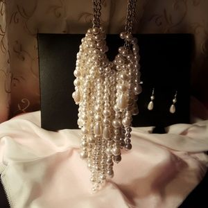 Ava fashion jewerly Jewelry - Faux pearl statement necklace with earrings.