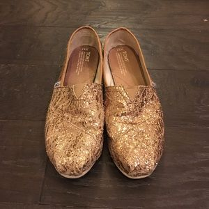 TOMS Shoes - TOMS lace and glitter slip ons