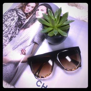 619657e8d14 Celine Accessories - •Black Havana Tortoise Flat Top Sunglasses•