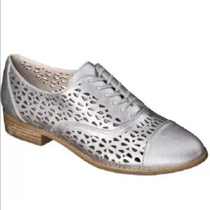 Sam & Libby Shoes - Sam & Libby Oxford silver shoes women size 8 M
