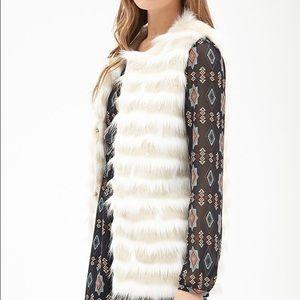 🌸NWT Forever21 Faux Fur Vest