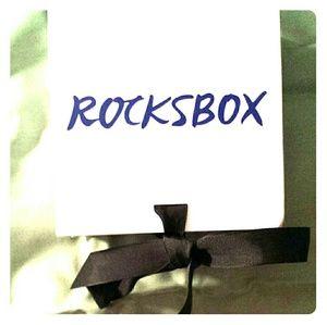 ROCKSBOX Jewelry - ROCKSBOX new Gold Chevron bracelet