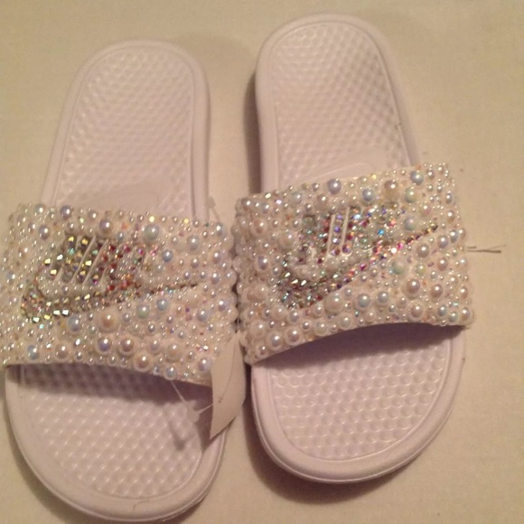 online store 4b405 c263b Nike bling Pearl and rhinestone slides n w out tag Boutique