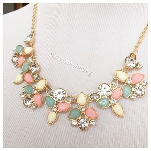 NWT Statement Necklace Pink & Mint w/rhinestones