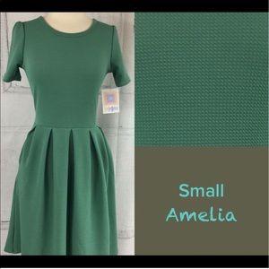 LuLaRoe Amelia in Green