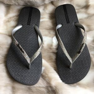 Ipanema Shoes - Ipanema Glitter Flip-Flops in Gray