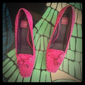 💞 Gorgeous pink suede coach shoes!!!
