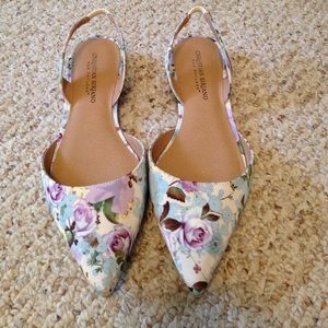 Christian Siriano Shoes - 🆕 Listing! Gorgeous Floral Flats