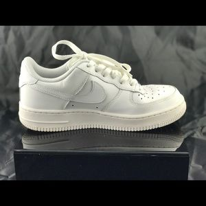 Nike Air Force One '82 Size 5.5 youth 38 EU.